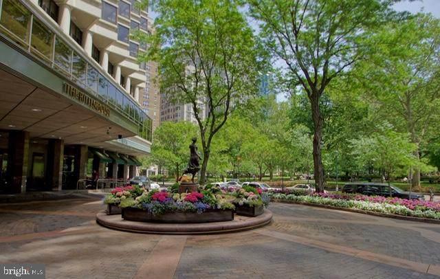 202-10 Rittenhouse Square - Photo 1