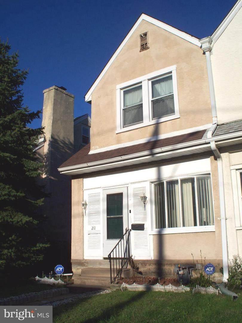 211 Wycombe Avenue - Photo 1