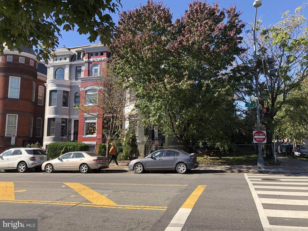 1300 W Street - Photo 1
