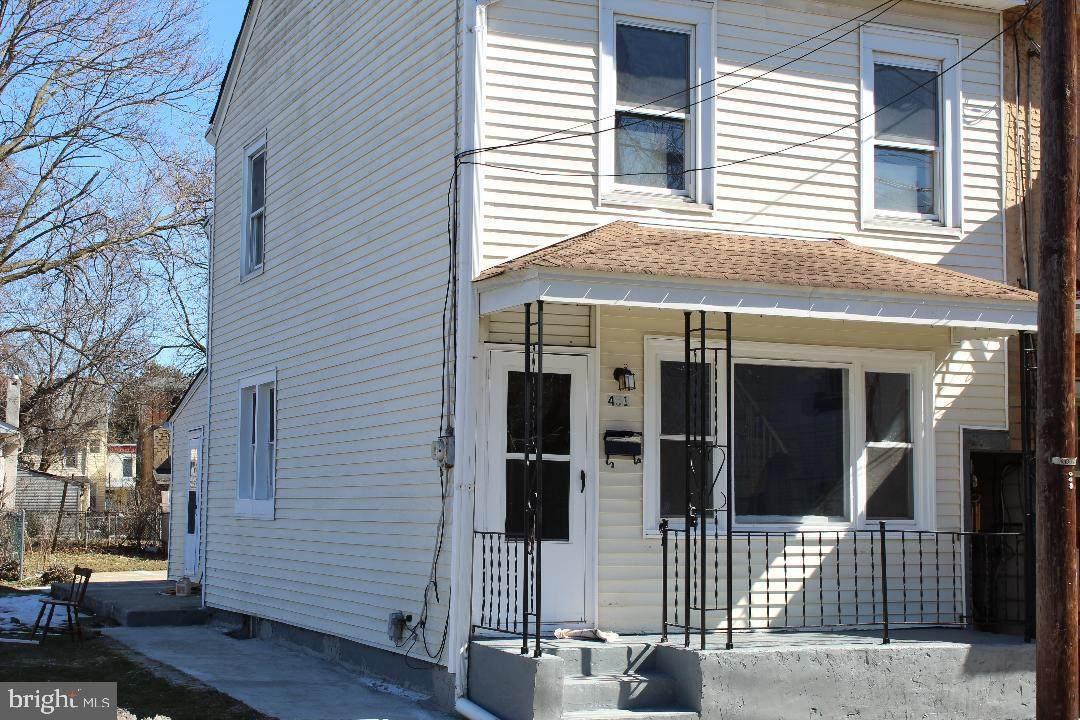 451 Saint Mary Street - Photo 1
