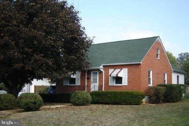 32 South Marshall, FRONT ROYAL, VA 22630 (#VAWR142942) :: Realty One Group Performance