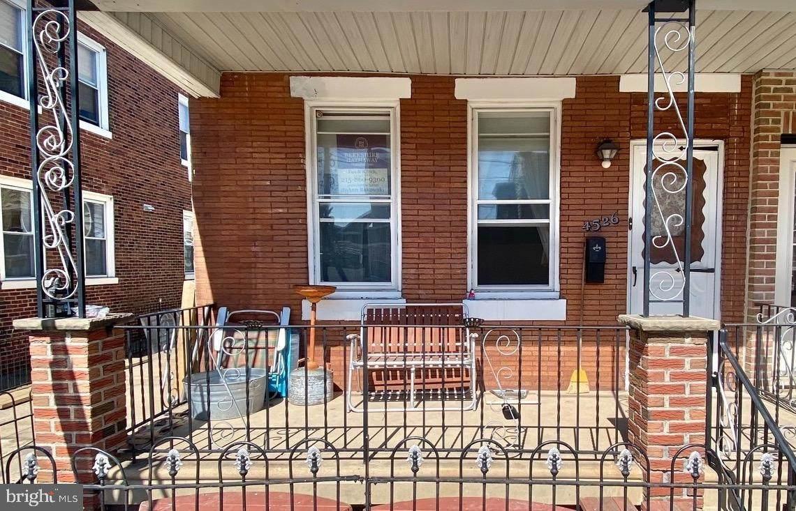 4526 Thompson Street - Photo 1