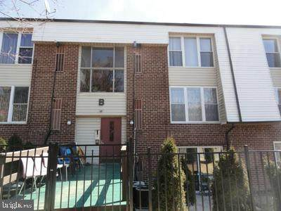 2201 Strahle Street B207, PHILADELPHIA, PA 19152 (#PAPH1005598) :: Jason Freeby Group at Keller Williams Real Estate