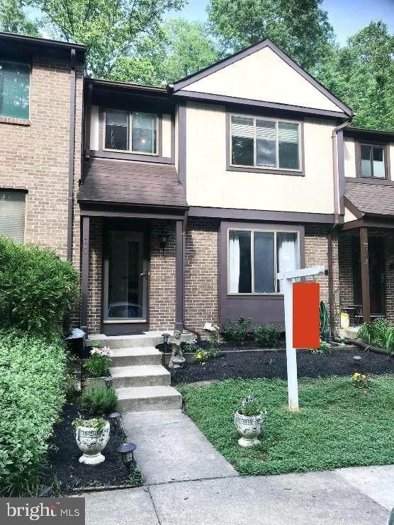 5805 Oak Ladder Court, BURKE, VA 22015 (#VAFX1205370) :: Bowers Realty Group