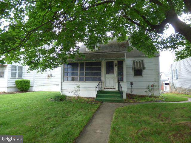 332 S Cleveland Avenue, HAGERSTOWN, MD 21740 (#MDWA180220) :: Sunrise Home Sales Team of Mackintosh Inc Realtors