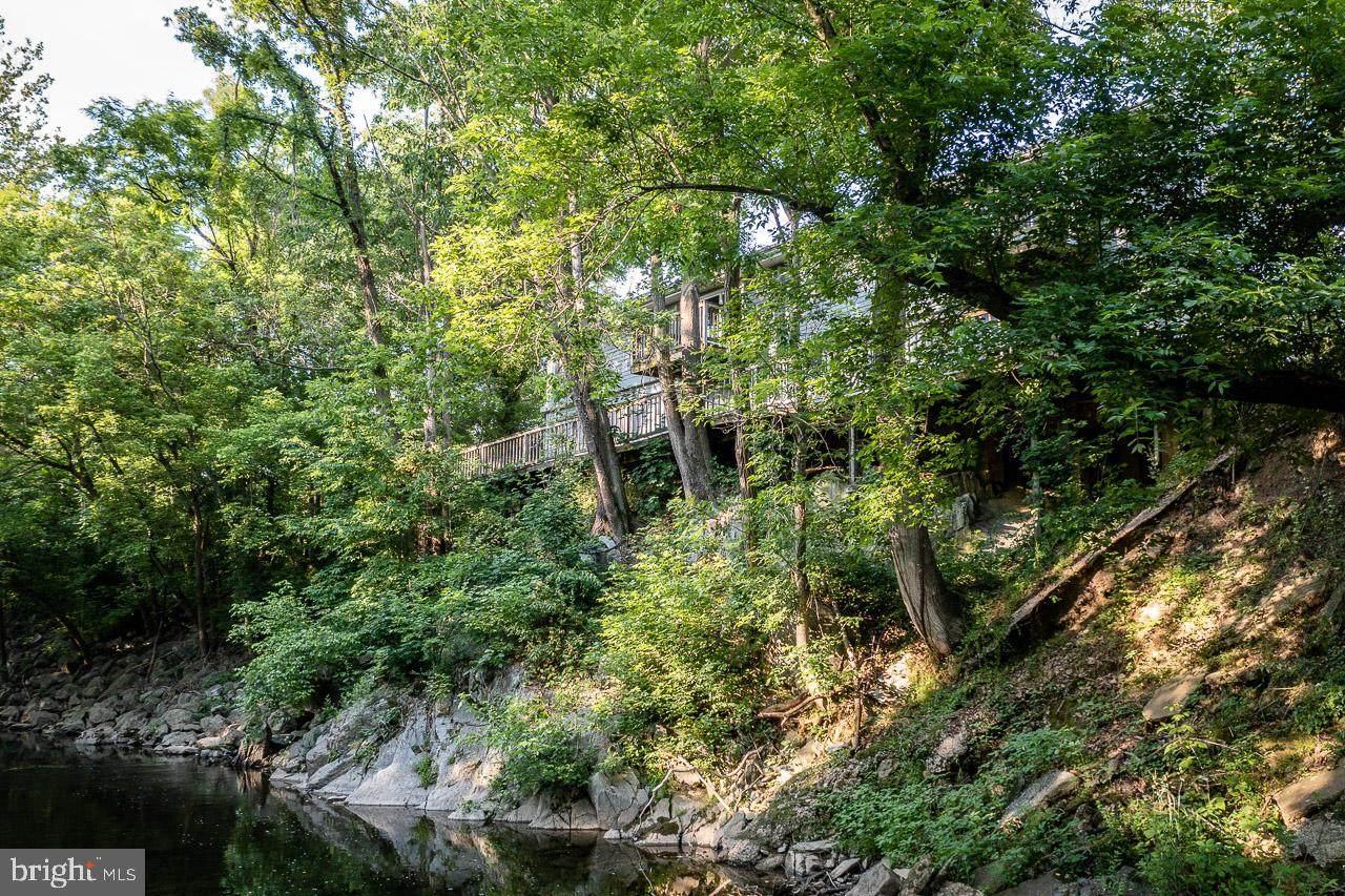 100 & 102 Creek Side Lane - Photo 1