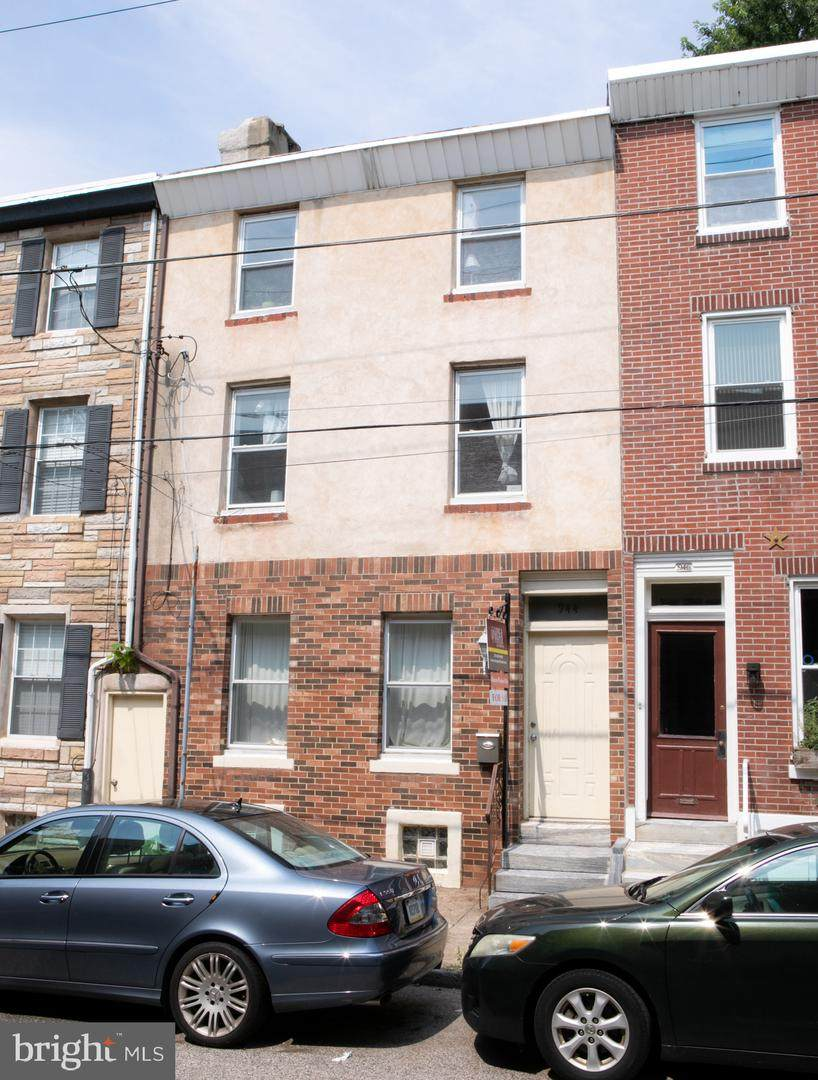 944 Randolph Street - Photo 1