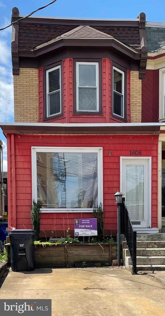 1608 W 16TH Street, WILMINGTON, DE 19806 (#DENC2003838) :: The Charles Graef Home Selling Team
