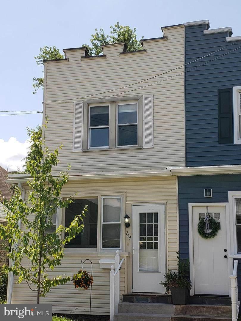 744 Maple Terrace - Photo 1