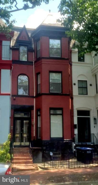 633 8TH Street - Photo 1