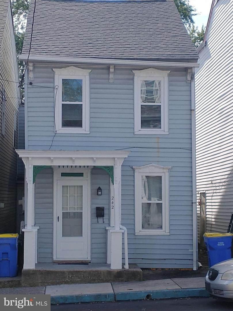242 Wilson Street - Photo 1