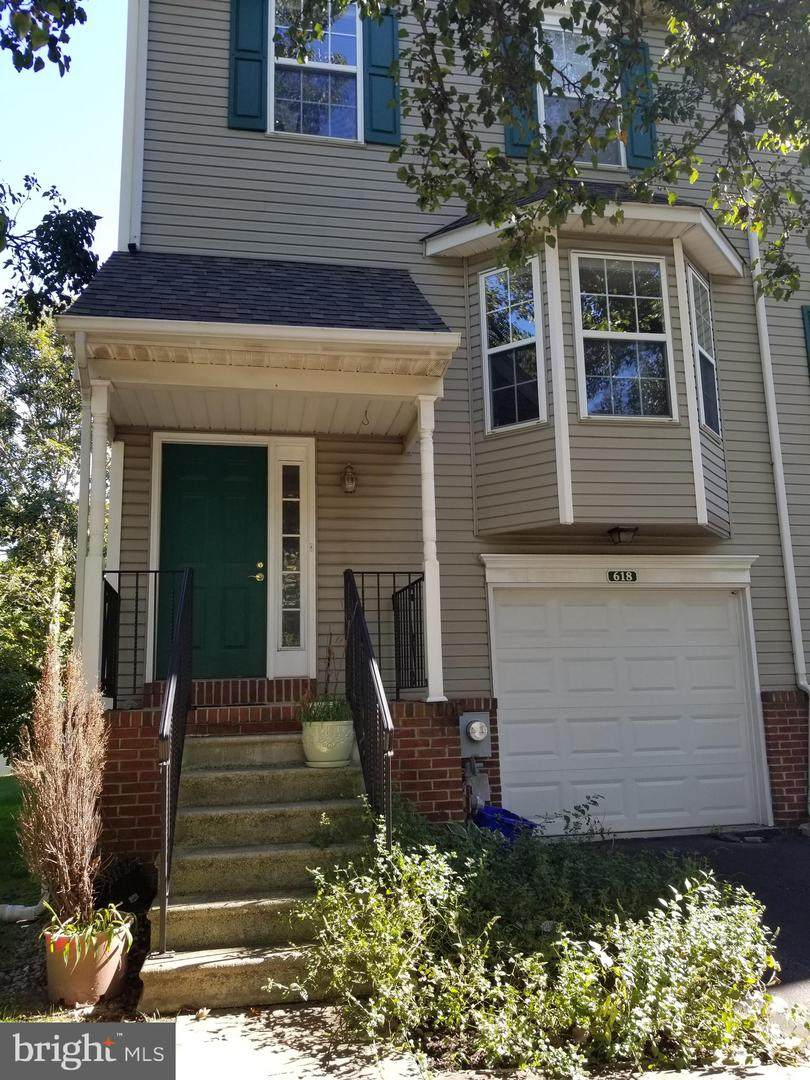 618 Brentwood Court - Photo 1