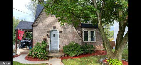 2916 George Street, HARRISBURG, PA 17109 (#PADA2004390) :: The Heather Neidlinger Team With Berkshire Hathaway HomeServices Homesale Realty