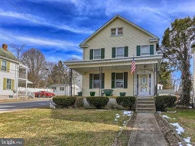 127 N Church Street, WAYNESBORO, PA 17268 (#1009766520) :: The Heather Neidlinger Team With Berkshire Hathaway HomeServices Homesale Realty
