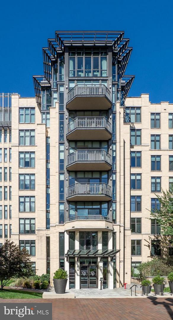 4301 Military Road NW #311, WASHINGTON, DC 20015 (#1009914218) :: The Withrow Group at Long & Foster