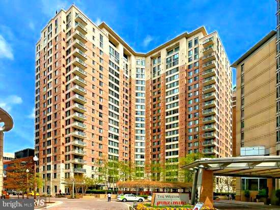851 Glebe Road N #1312, ARLINGTON, VA 22203 (#1009914550) :: The Withrow Group at Long & Foster