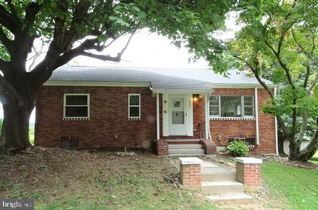 2442 Ridgewood Road, YORK, PA 17406 (#PAYK101172) :: Remax Preferred | Scott Kompa Group