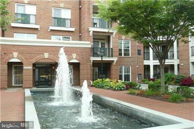 2901 Saintsbury Plaza - Photo 1