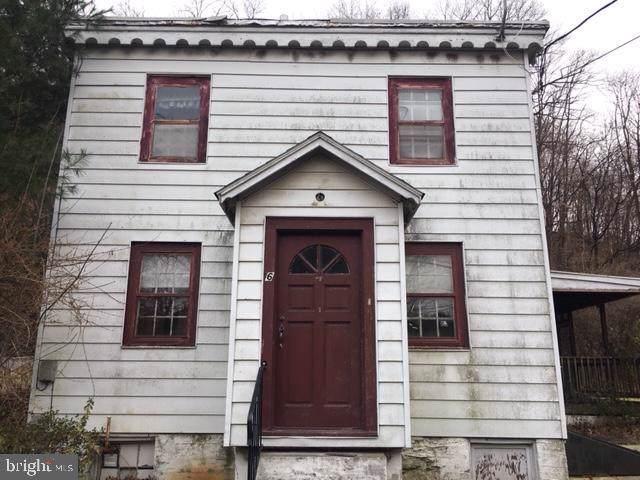 26 Center Street, LEESPORT, PA 19533 (#PABK343064) :: Iron Valley Real Estate
