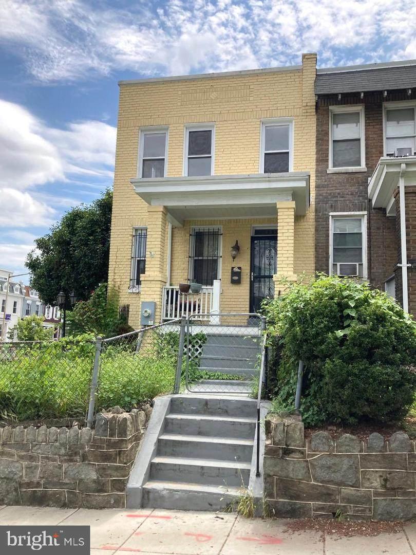 335 W Street - Photo 1