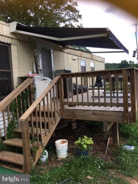 8900 Fox Run Drive, SPOTSYLVANIA, VA 22551 (#VASP223676) :: Better Homes Realty Signature Properties