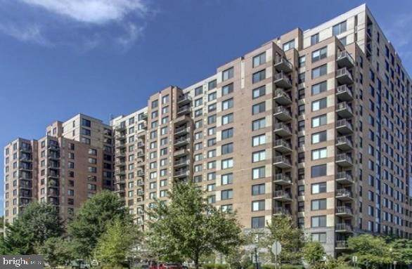 2451 Midtown Avenue #1015, ALEXANDRIA, VA 22303 (#VAFX1152042) :: The Riffle Group of Keller Williams Select Realtors