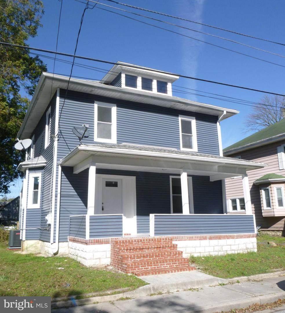 403 Pine Street - Photo 1