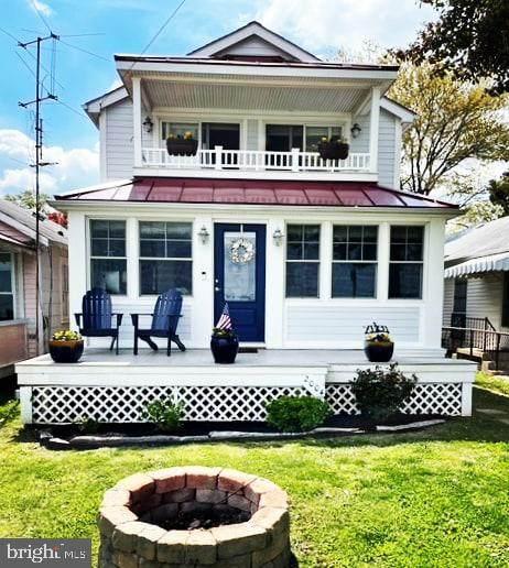 2004 Beach Avenue, COLONIAL BEACH, VA 22443 (#VAWE118228) :: Arlington Realty, Inc.