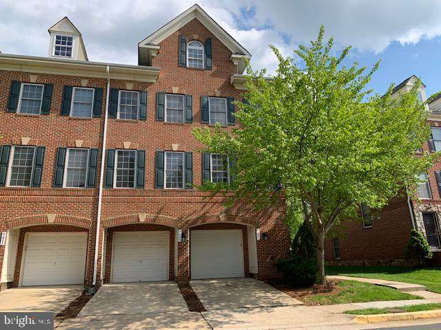 4627 Hummingbird Lane #115, FAIRFAX, VA 22033 (#VAFX1195490) :: The Riffle Group of Keller Williams Select Realtors