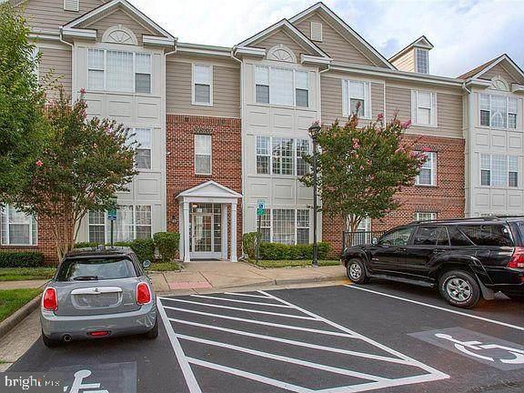 621 Cobblestone Boulevard #304, FREDERICKSBURG, VA 22401 (#VAFB2000452) :: RE/MAX Cornerstone Realty