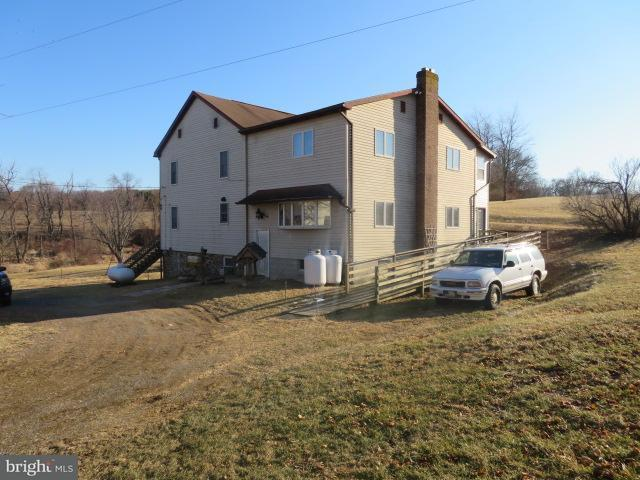 1200 Porters Road, SPRING GROVE, PA 17362 (#1000132940) :: Benchmark Real Estate Team of KW Keystone Realty