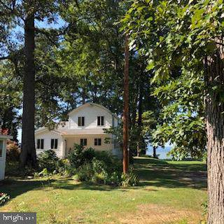 15525 Potomac River Drive, COBB ISLAND, MD 20625 (#MDCH202982) :: The Maryland Group of Long & Foster Real Estate