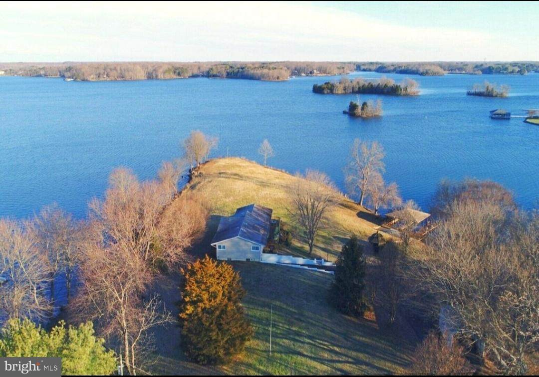 138 Lake Court - Photo 1