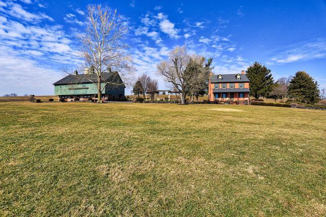 3496 Meadow View Road, MANHEIM, PA 17545 (#1000113300) :: Liz Hamberger Real Estate Team of KW Keystone Realty