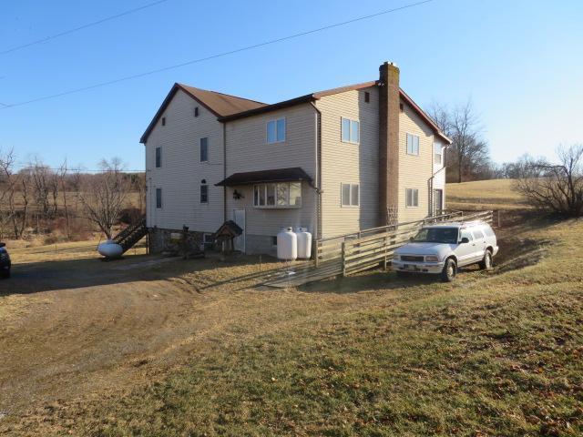1200 Porters Road, SPRING GROVE, PA 17362 (#1000132940) :: Liz Hamberger Real Estate Team of KW Keystone Realty