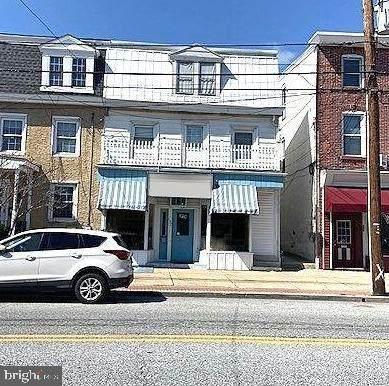 137 Lancaster Avenue - Photo 1