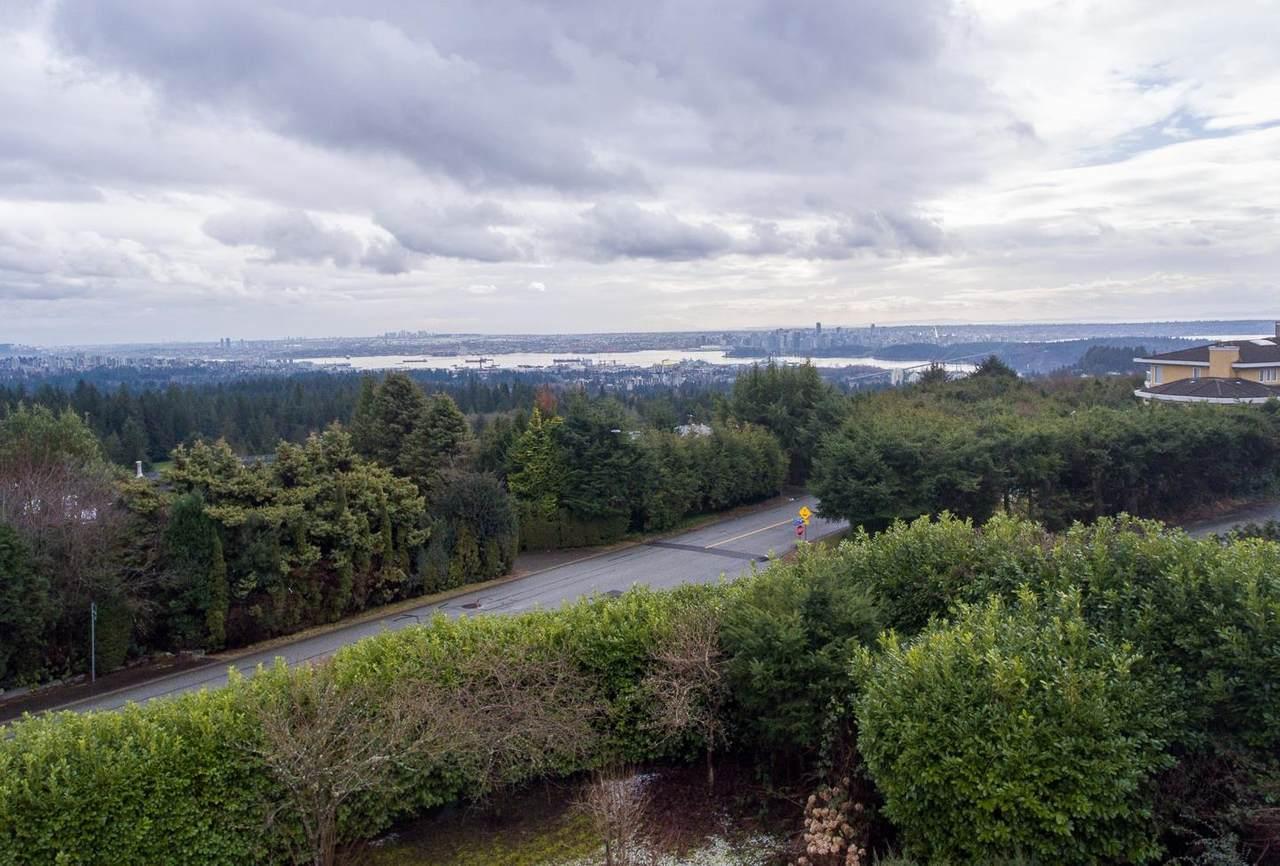 910 Eyremount Drive - Photo 1