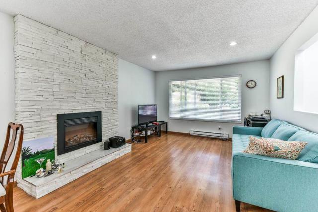 6711 Baker Road, Delta, BC V4E 2T8 (#R2180898) :: Vallee Real Estate Group