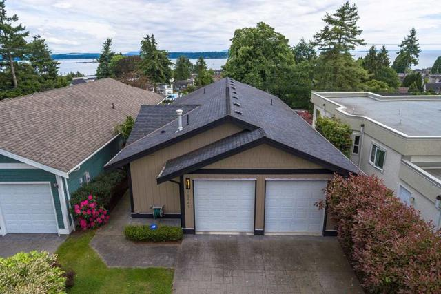 15441 Buena Vista Avenue, White Rock, BC V4B 1Y9 (#R2181090) :: HomeLife Glenayre Realty