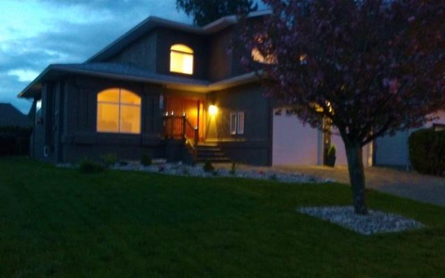 329 Chestnut Avenue, Harrison Hot Springs, BC V0M 1K0 (#R2194399) :: HomeLife Glenayre Realty