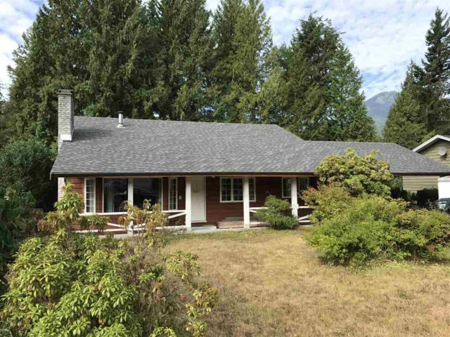 40451 Braemar Drive, Squamish, BC V0N 1T0 (#R2197810) :: HomeLife Glenayre Realty