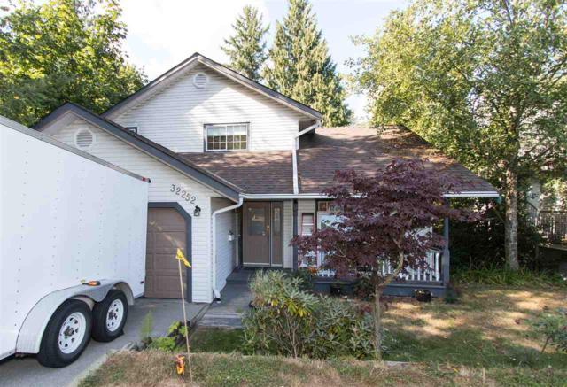 32252 Buffalo Drive, Mission, BC V2V 5P8 (#R2198187) :: HomeLife Glenayre Realty