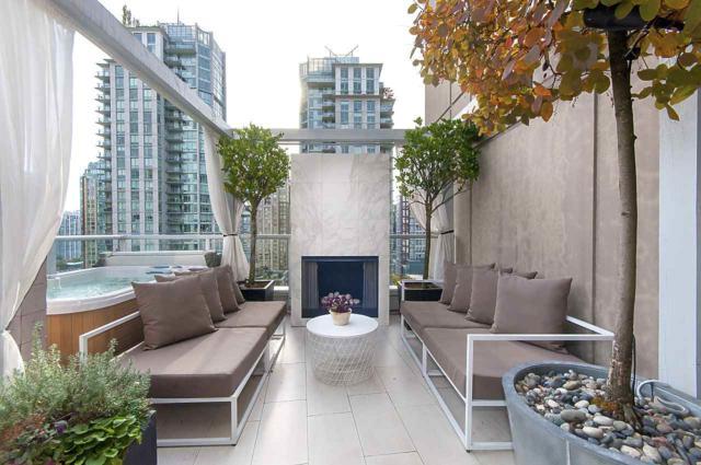 822 Seymour Street #1207, Vancouver, BC V6Z 2K5 (#R2215958) :: Titan Real Estate - Re/Max Little Oak Realty
