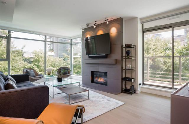 1680 Bayshore Drive #205, Vancouver, BC V6G 3H6 (#R2216078) :: Vallee Real Estate Group