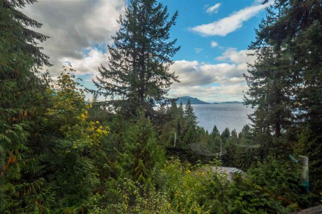 320 Bayview Place, Lions Bay, BC V0N 2E0 (#R2216158) :: Vallee Real Estate Group