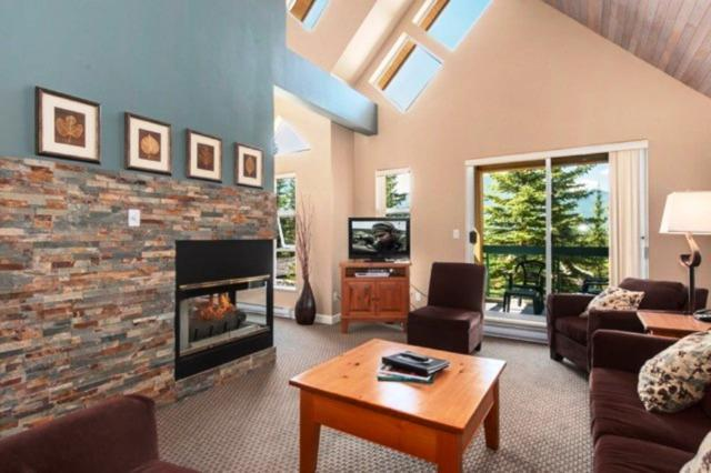 4865 Painted Cliff Road #202, Whistler, BC V0N 1B4 (#R2227578) :: Vallee Real Estate Group