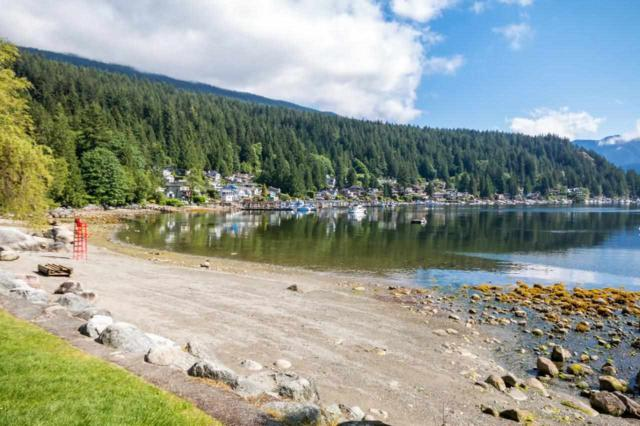 1975 Deep Cove Road, North Vancouver, BC V7G 1S7 (#R2227581) :: Vallee Real Estate Group
