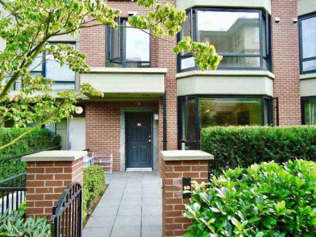 9180 Hemlock Drive #10, Richmond, BC V6Y 4J5 (#R2232759) :: Vancouver House Finders