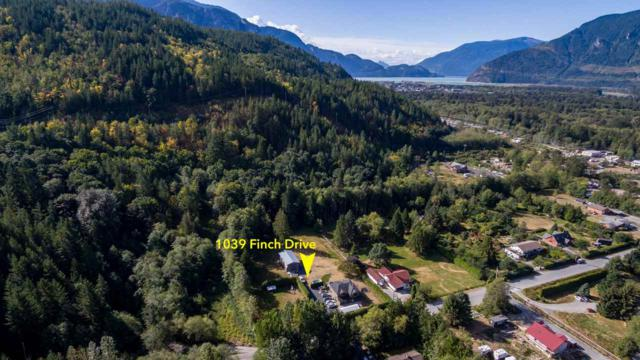 1039 Finch Drive, Squamish, BC V0N 1T0 (#R2240055) :: Re/Max Select Realty