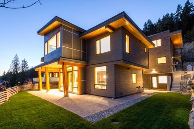 8476 Bear Paw Trail, Whistler, BC V0N 1B8 (#R2241039) :: Vancouver House Finders